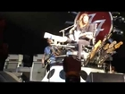 Foo Fighters lets Fan Play Drums - Big Me